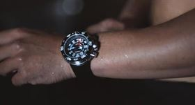 ساعت سیتیزن (زمان و موج برای هیچکس نمی ایستند)
