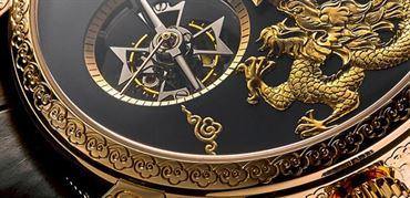 معرفی ساعت دراگون، توربیلن 14 روزه سنتی پر زرق و برق از واشرون کنستانتین