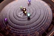 ساعتی که زیبایی منظومه ی شمسی را بر روی مچ دست شما قرار خواهد داد - Van Cleef & Arpels Complication Poétique Midnight Planétarium